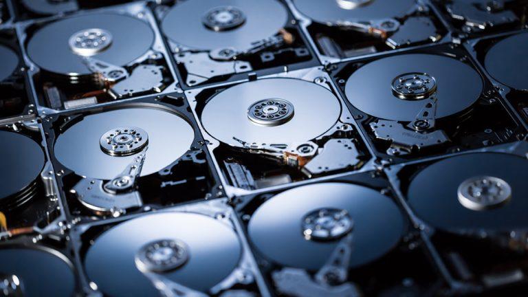 Как объединить несколько жестких дисков с дисковыми пространствами Windows