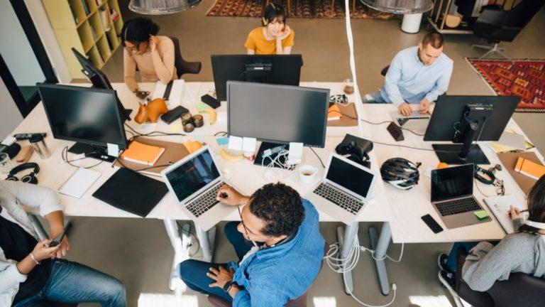 Как управлять несколькими компьютерами с помощью одной клавиатуры и мыши