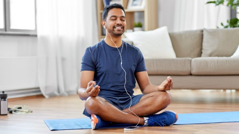 Лучшие доступные приложения для йоги для iPhone