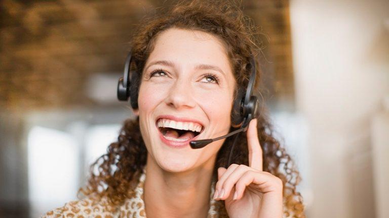 Как поговорить с реальным человеком: полный список телефонных номеров службы поддержки