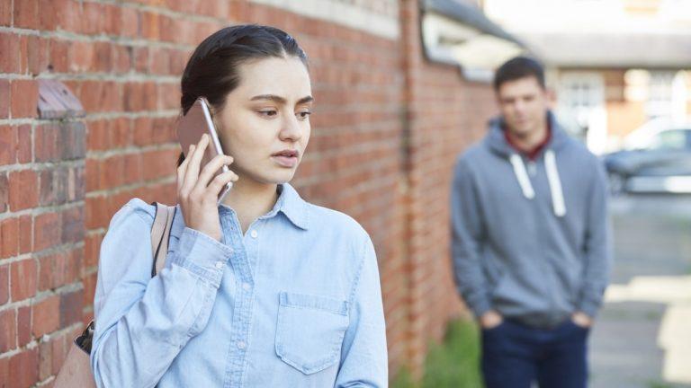 Защитите себя от злоупотреблений: как найти и удалить сталкерское ПО на вашем телефоне и ПК